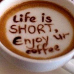 De unde vine denumirea cafelei tale preferate?