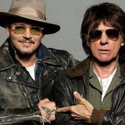 """Jeff Beck și Johnny Depp fac din piesa """"Isolation"""" a lui John Lennon un imn actualizat al zilelor pe care le trăim în prezent"""