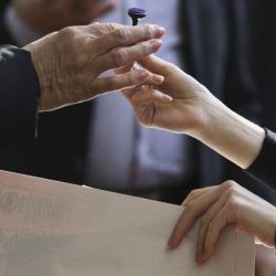 Dezbatere publică on-line pe tema alegerilor