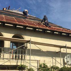 Moldoveni care munceau ilegal într-o firmă de construcții