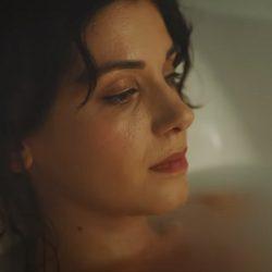 Katie Melua crede că a oferit iubirii prea multă atenție