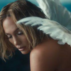 """""""Și te-am iubit chiar mai mult decât m-am iubit pe mine..."""" Jennifer Lopez"""
