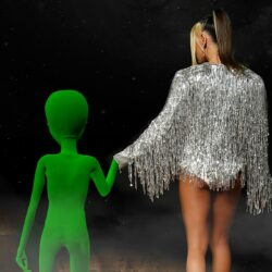 """MIRA lansează """"Nave Spațiale"""" 🛸, o piesă de dragoste ce este acompaniată de un videoclip strălucitor"""