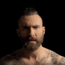 Maroon 5 a revenit cu o piesă de dragoste și un videoclip inspirat de filmele Disney