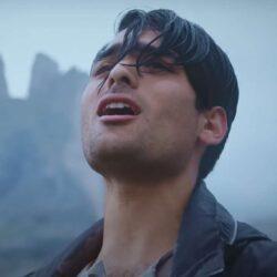 """Matteo Bocelli, fiul tenorului Andrea Bocelli, a lansat primul său single, intitulat """"Solo"""""""