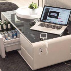 Bere rece şi suport pentru orice device-uri la îndemână când stai în living [VIDEO]