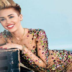 La Mulţi Ani, Miley Cyrus!