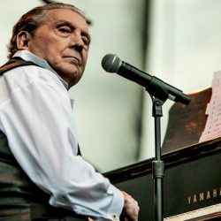 La multi ani, Jerry Lee Lewis!