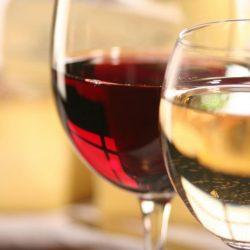 Ora vinului. Când se bea cel mai mult?