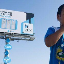 Panoul publicitar care produce apă potabilă, inventat în Peru