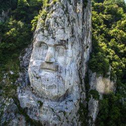 Statuia lui Decebal, printre cele mai impresionante din lume